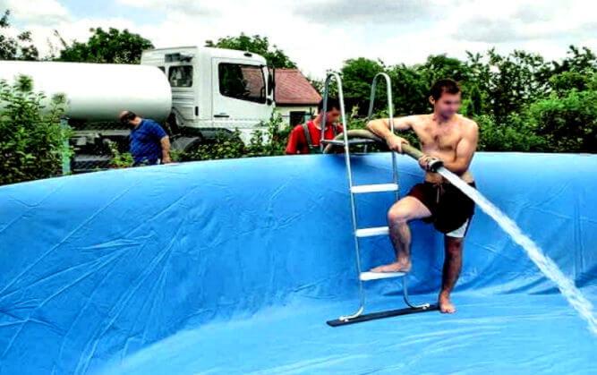 Доставка воды для бассейна